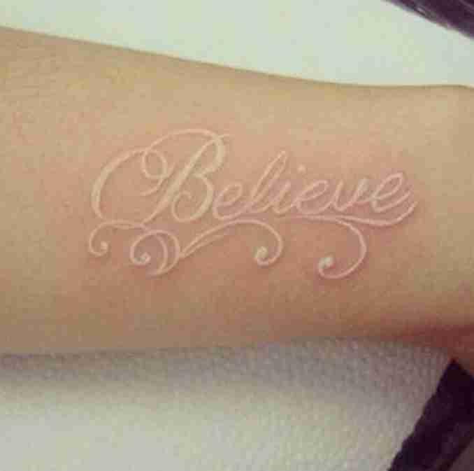 50 fotos de tatuagens com tinta 32